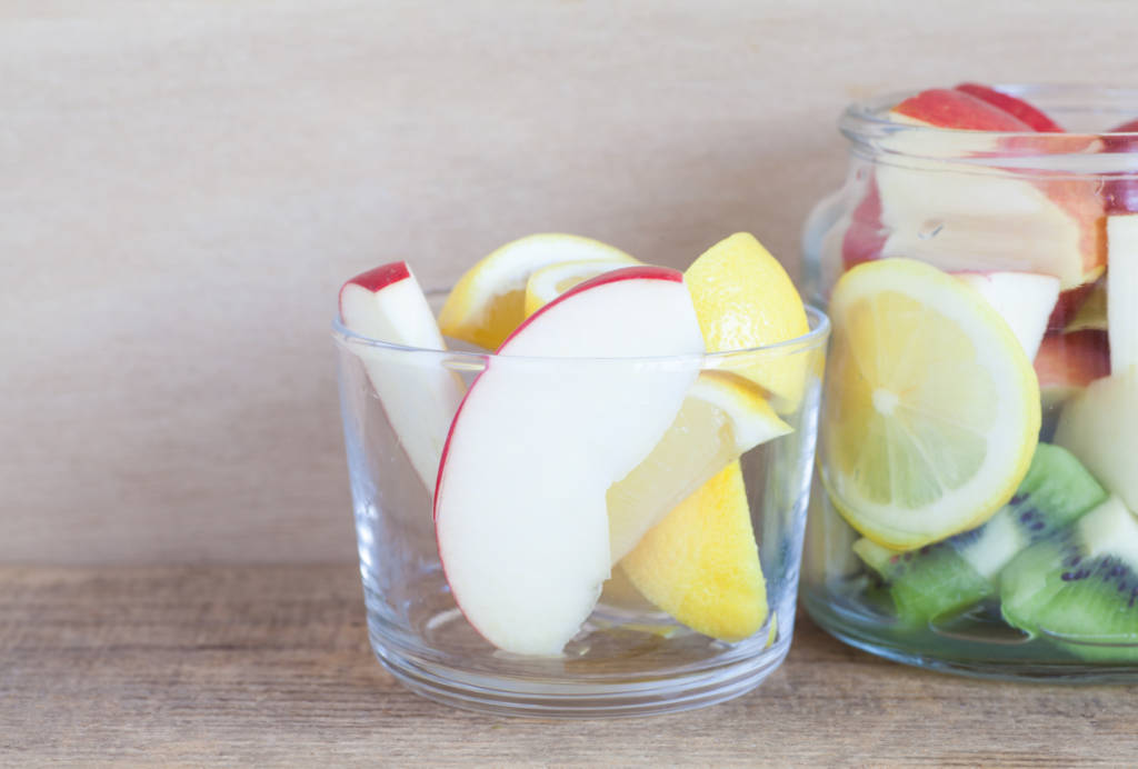 INFUSED WATER, water with lemon and apple slices